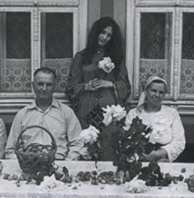 Мама, папа и дочь-Увеличить фото